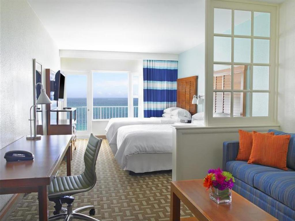 1 Bedroom Executive Suite, 1 King, Sofa bed, Beachfront Four Points by Sheraton Miami Beach