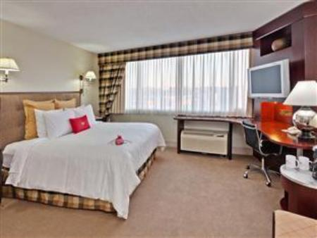 1 Executive Floor Double Bed Leisure Non-Smoking Crowne Plaza Syracuse