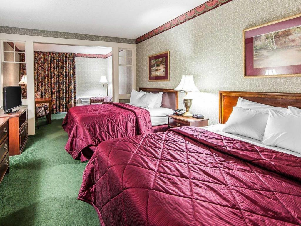 2 Queen Beds Nonsmoking - Guestroom Clarion Inn Willow River
