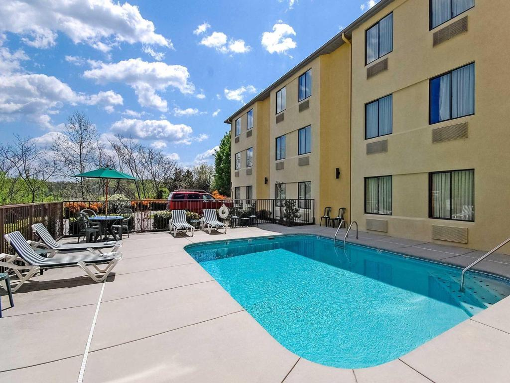 Swimming pool Sleep Inn Sevierville