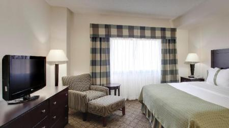 1 Bedroom Suite Non-Smoking Holiday Inn Springdale-Fayetteville Area