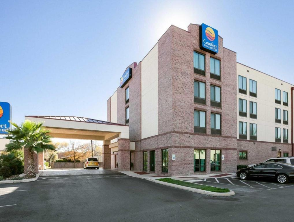 More about Comfort Inn & Suites Airport Hotel