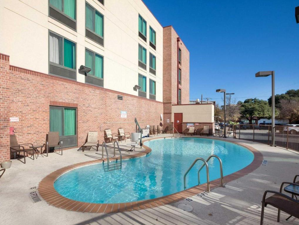 See all 60 photos Comfort Inn & Suites Airport Hotel
