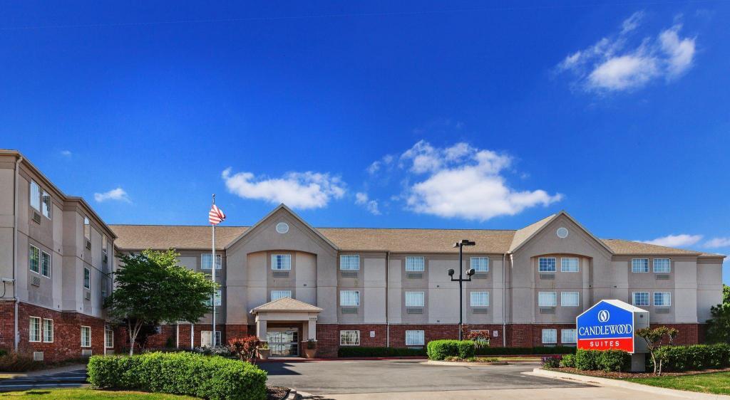 Candlewood Suites Tulsa Hotel (Tulsa (OK)) - Deals, Photos