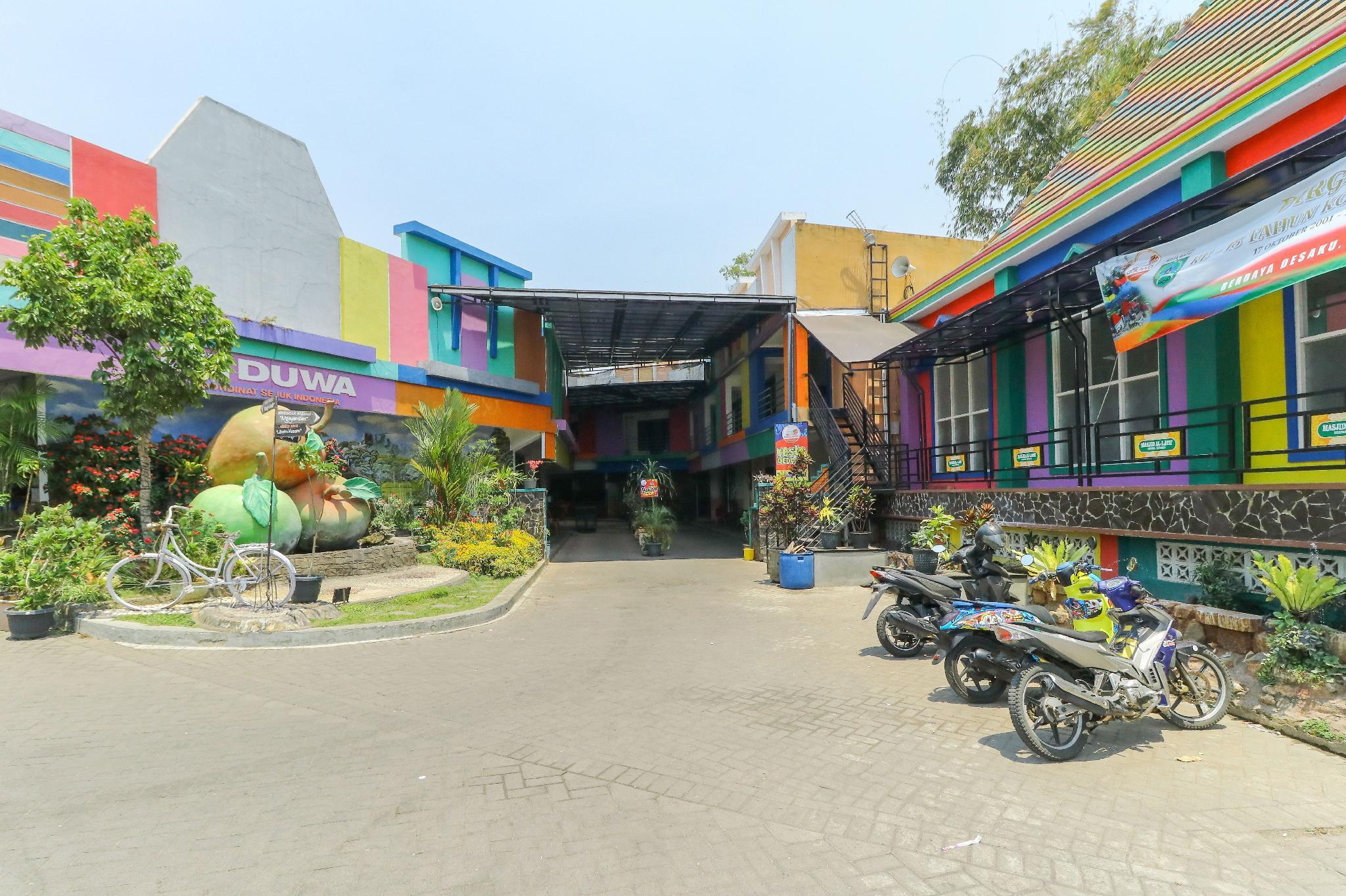 Deduwa Inn Transit Guesthouse Bed And Breakfast Malang Deals Photos Reviews