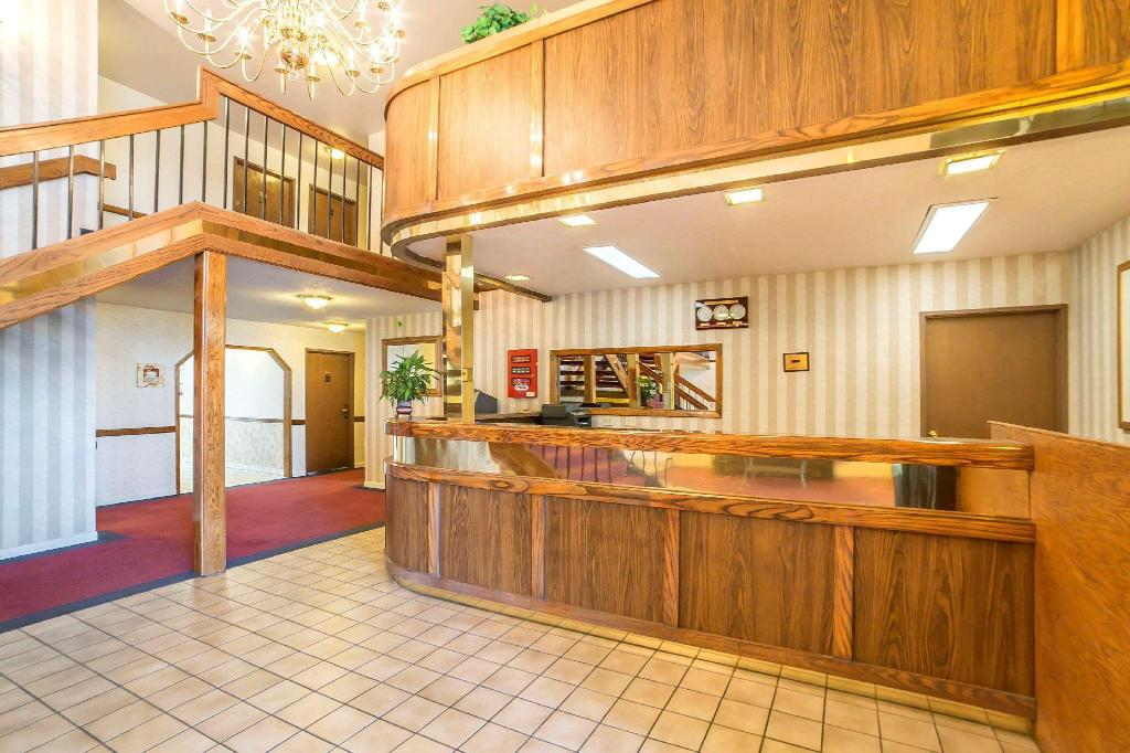 Lobby Comfort Inn (Econo Lodge Inn and Suites Sandy)