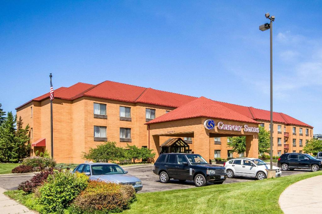 More about Rodeway Inn & Suites