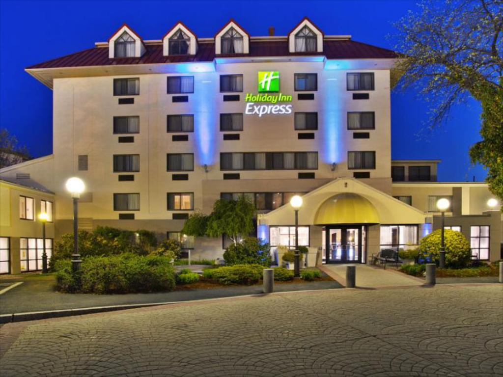 Holiday Inn Express Boston-Waltham