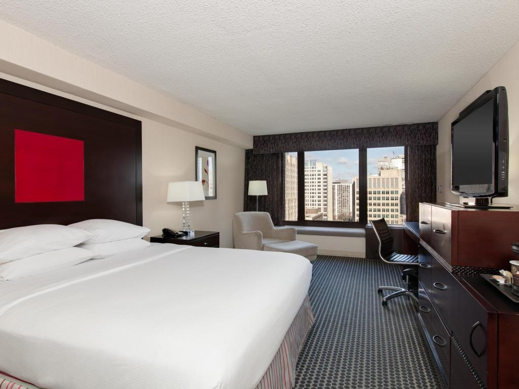Cama King - Quarto de hóspedes Doubletree Hotel Chicago Magnificent Mile