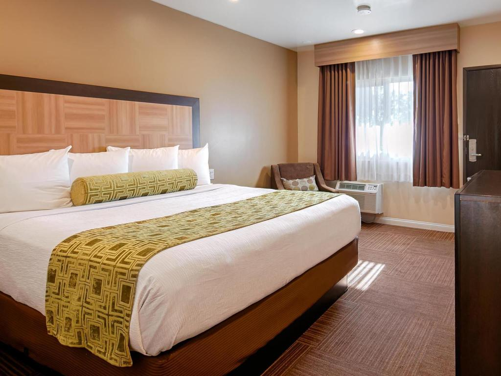 1 King Non-Smoking - Bed Best Western Plus Glendale