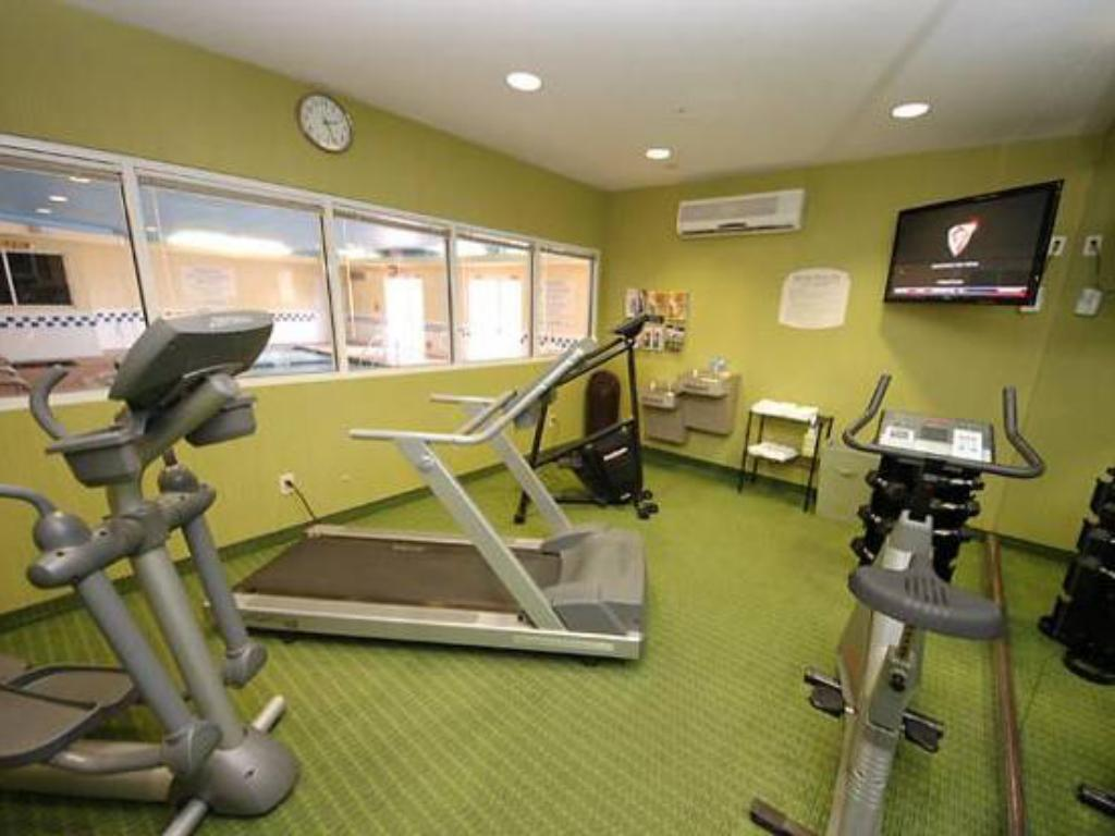 Fitness center Fairfield Inn & Suites Dallas North by the Galleria