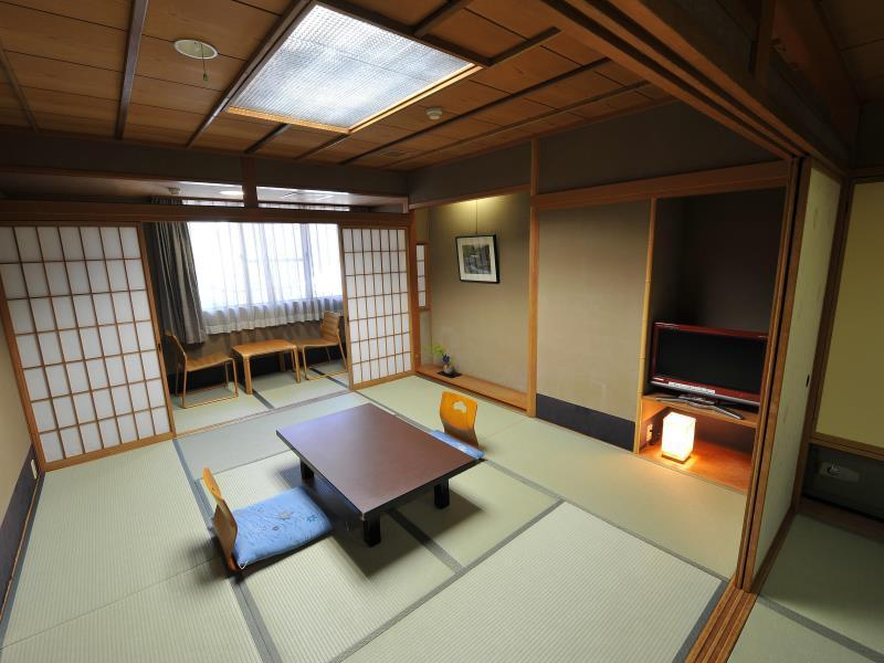 Japansk stil rum med privat bad (Japanese Style Room with Private bath )