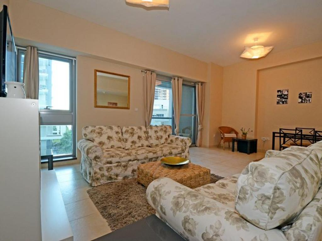 Better Stay - Executive Tower J Studio Apartment