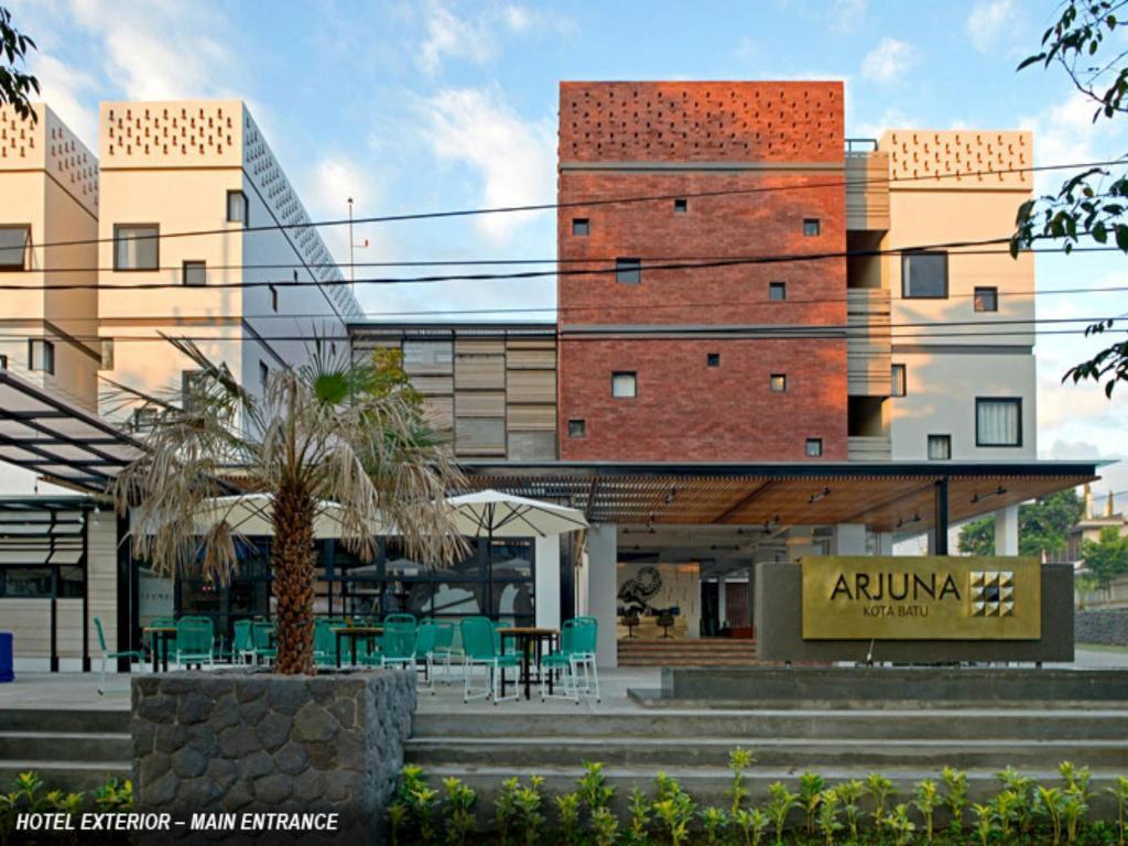 Arjuna Hotel Kota Batu In Malang Room Deals Photos Reviews