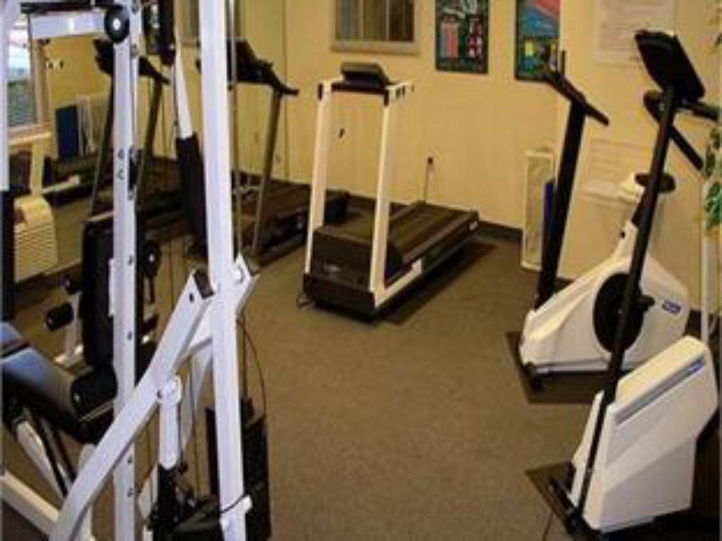 fitness centrum Candlewood Suites Dallas Park Central