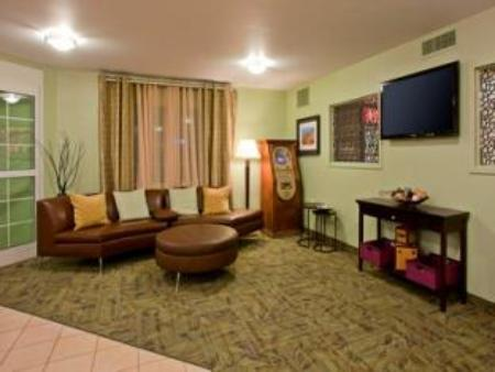 Lobby Candlewood Suites Hotel