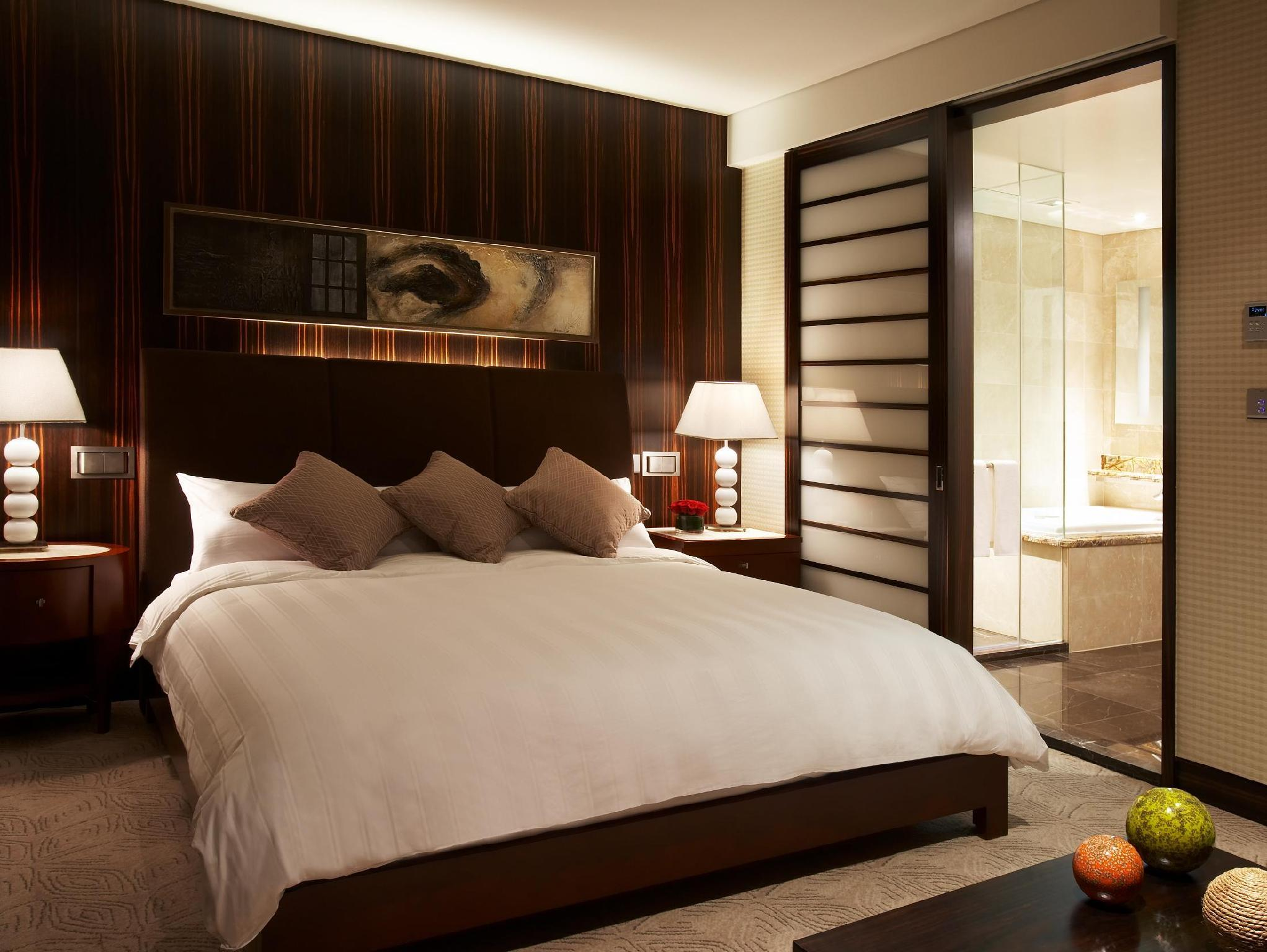 Club Deluxe Double Room - Main Wing