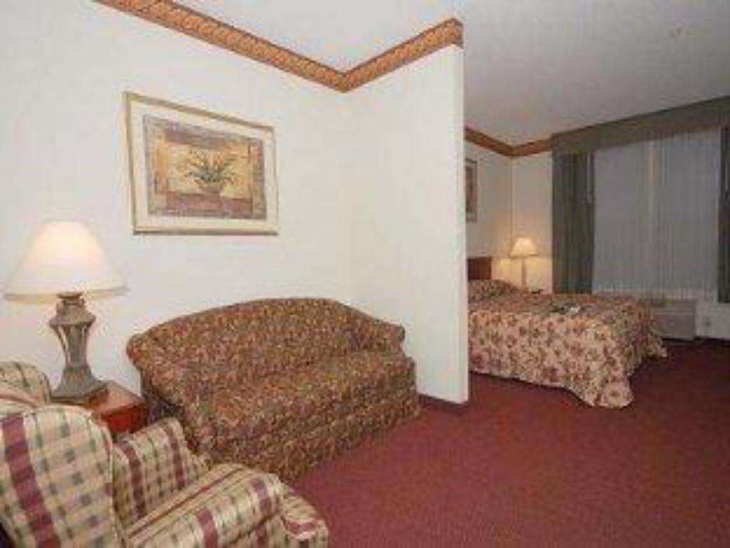 Super Best Western Plus Hobby Airport Inn And Suites In Houston Gmtry Best Dining Table And Chair Ideas Images Gmtryco