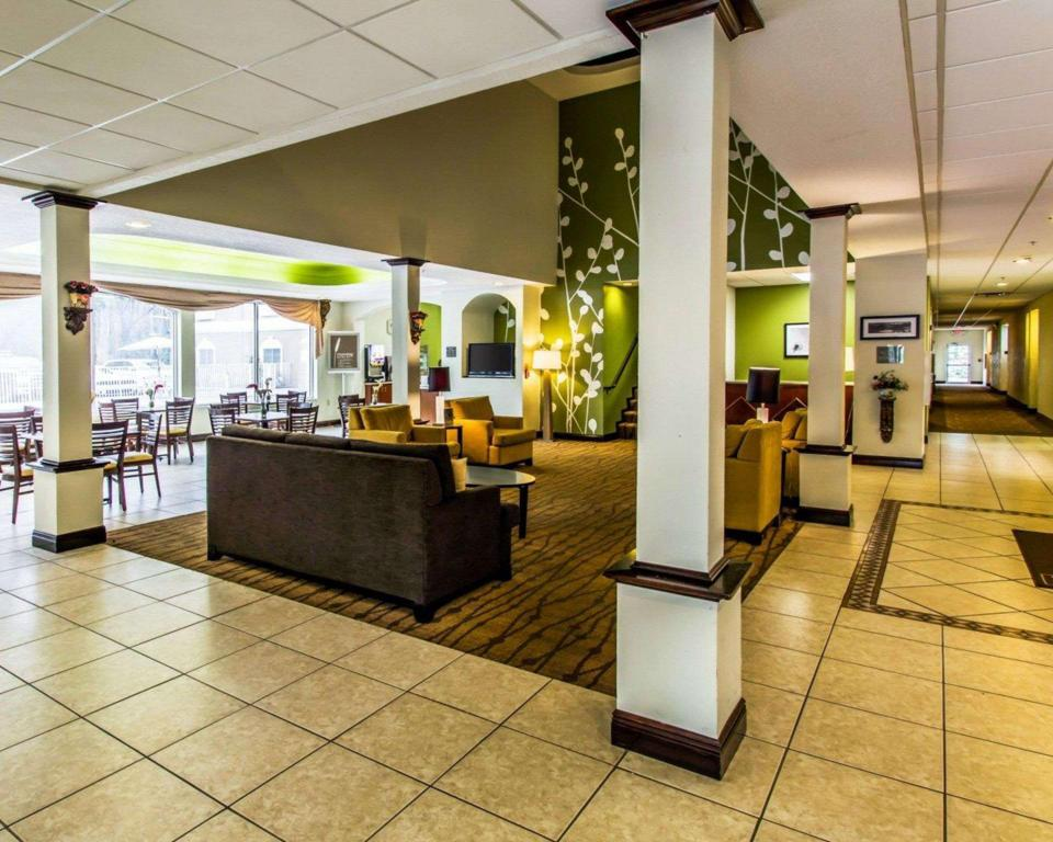 Lobby Sleep Inn & Suites Orlando International Airport
