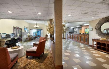 Vestabils Best Western Plus Hotel and Suites Airport South