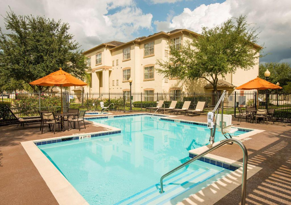 swimmingpool [udendørs] Hyatt House Houston/Energy Corridor