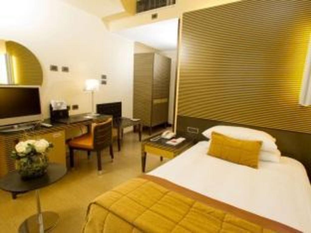 Best Price on Dei Cavalieri Hotel in Milan + Reviews
