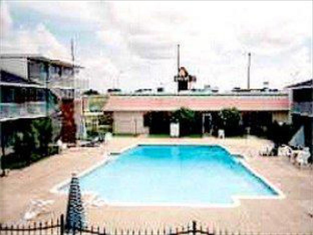 Piscina Plainfield Inn Houston