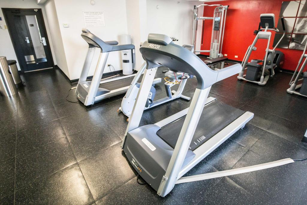 Fitness center Wyndham Hotel Chicago O'Hare