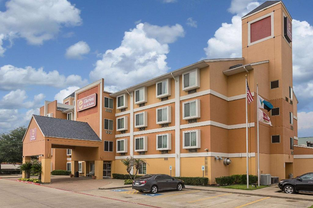 Quality Inn and Suites Westchase