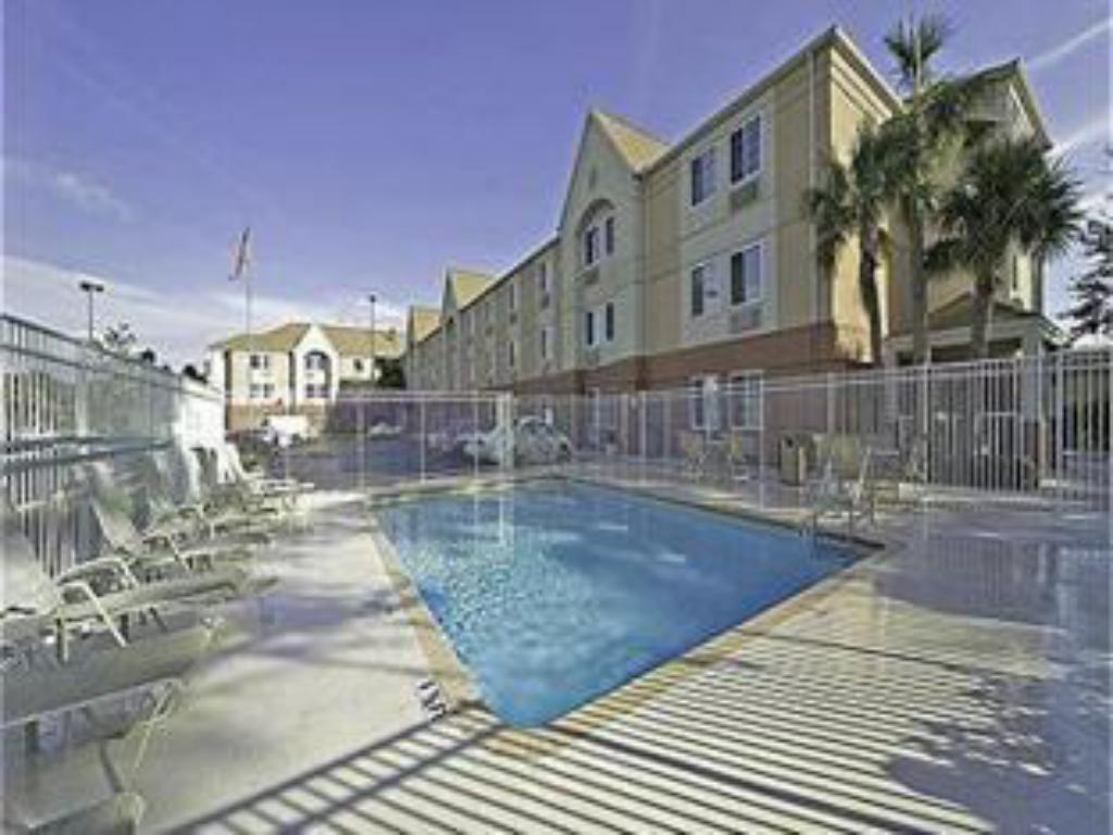 Swimmingpool Candlewood Suites Clearwater