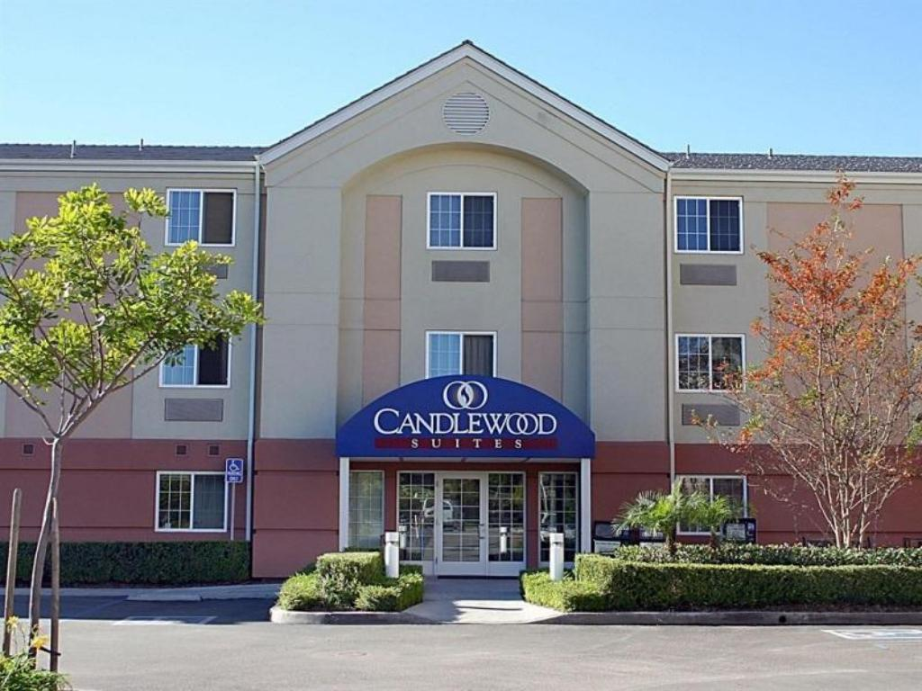 Candlewood Suites Orange County Irvine Spectrum Hotel