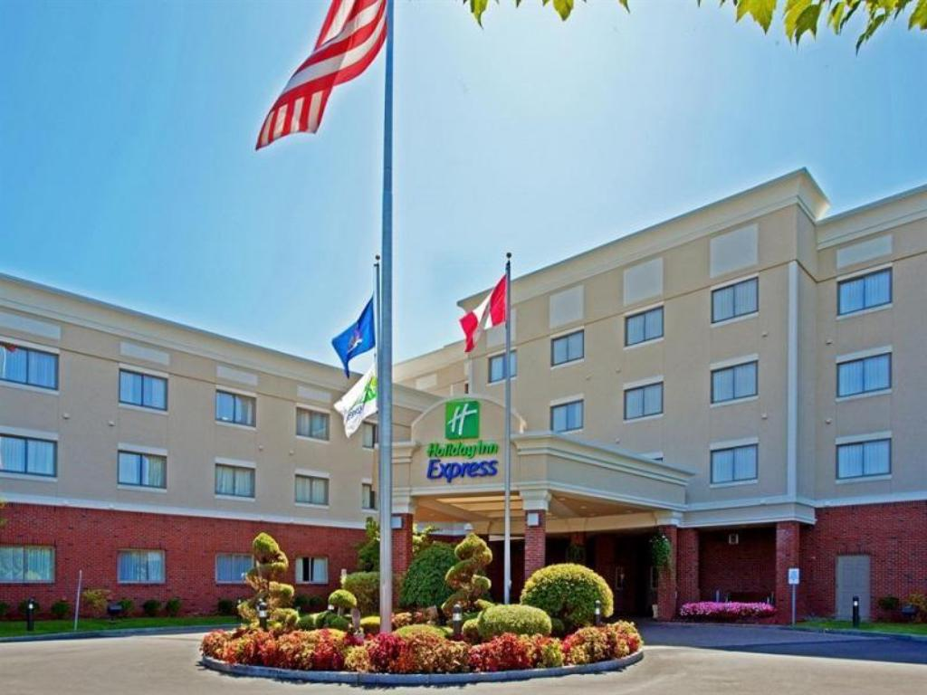 Holiday Inn Express Western Avenue University