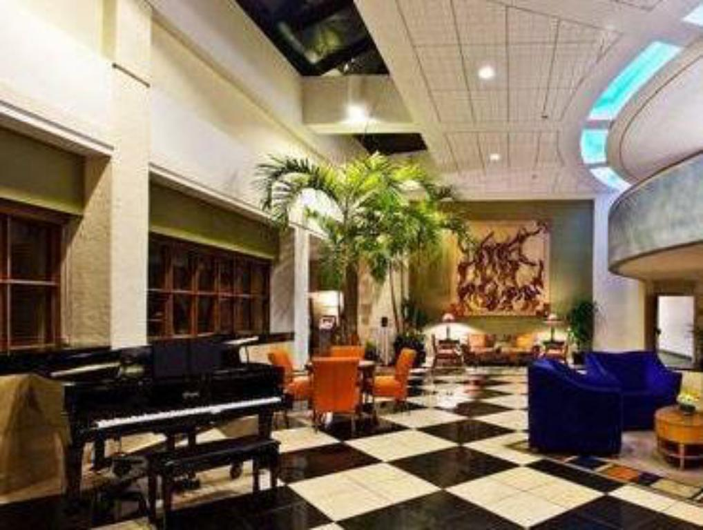 Pemandangan dalam Crowne Plaza Hotel Fort Myers at Bell Tower Shops