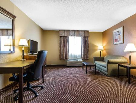 Интерьер Quality Inn & Suites Bloomington University Area