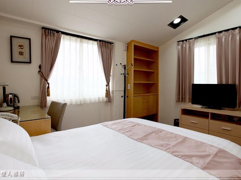 Quarto Duplo com banheiro compartilhado (Double Room with shared bathroom room)