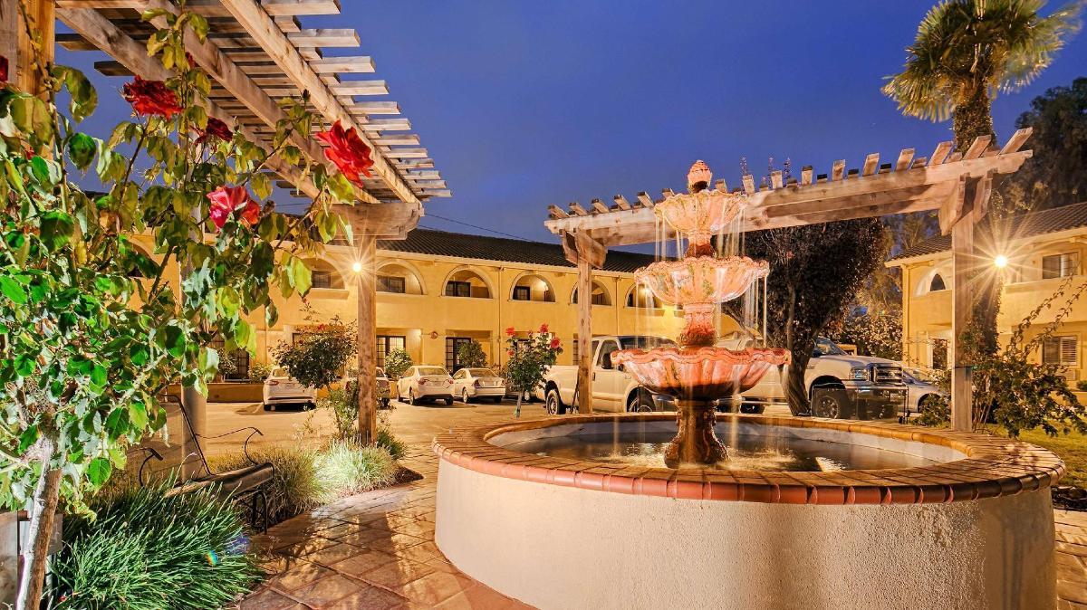Book Best Western PLUS Brookside Inn in Milpitas (CA