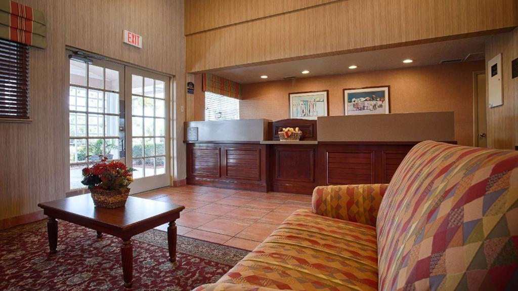 Lobby Best Western Port St. Lucie