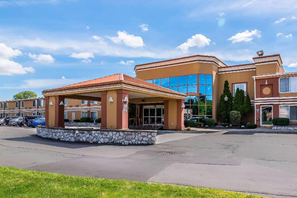 Quality Inn and Suites Albany Airport Latham