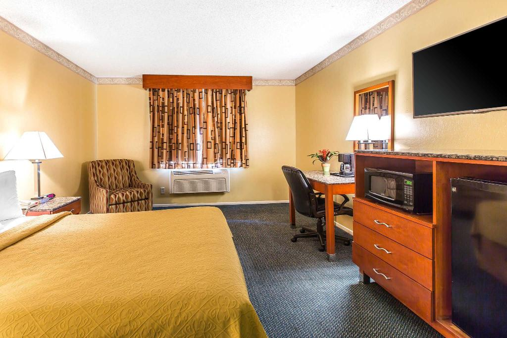 Vista Interior Quality Inn & Suites