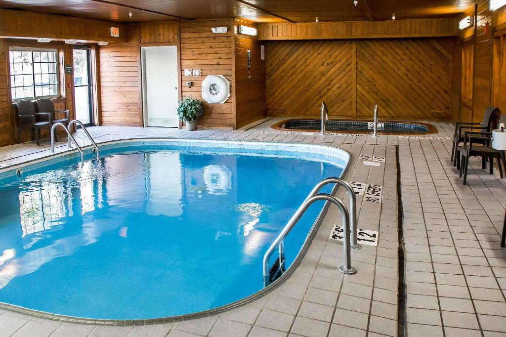 Piscina Comfort Inn North (Comfort Inn North Joliet)
