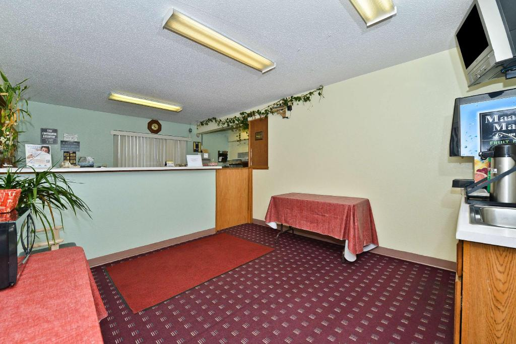 Lobby Americas Best Value Inn - Champaign, IL