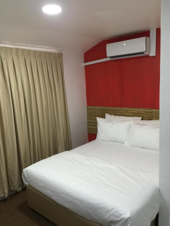 Super Deluxe Room with Breakfast - Bed Checkers Backpackers