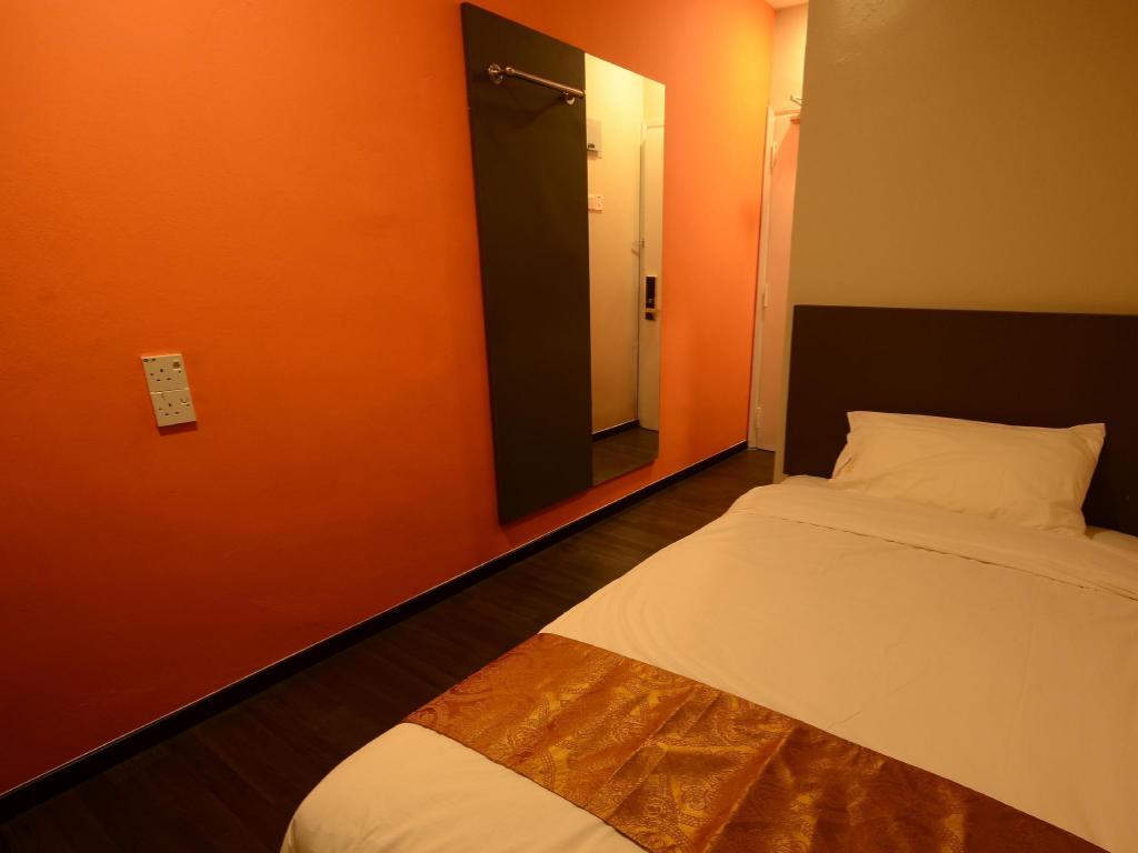Best Price On Golden Roof Hotel Kuala Kangsar In