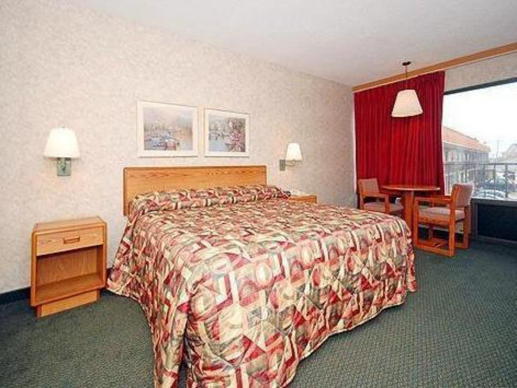 Suite Junior - Katil Econo Lodge Jefferson City