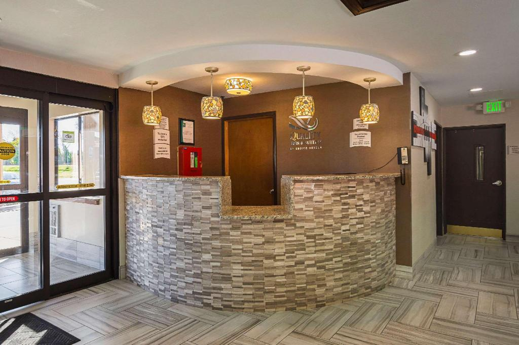Lobby Comfort Inn (Quality Inn and Suites Holland)