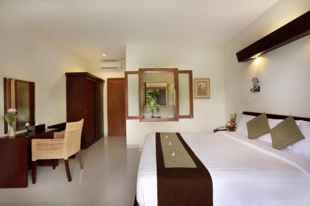 Superior Building - Guestroom Respati Beach Hotel