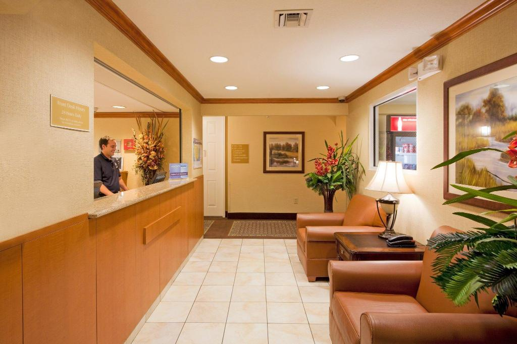 Lobby Candlewood Suites Fort Lauderdale Airport-Cruise
