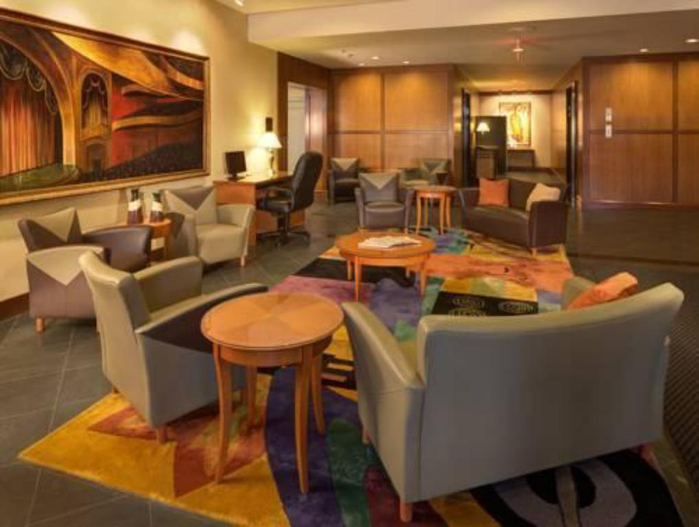 Interior view Radisson Hotel Milwaukee West