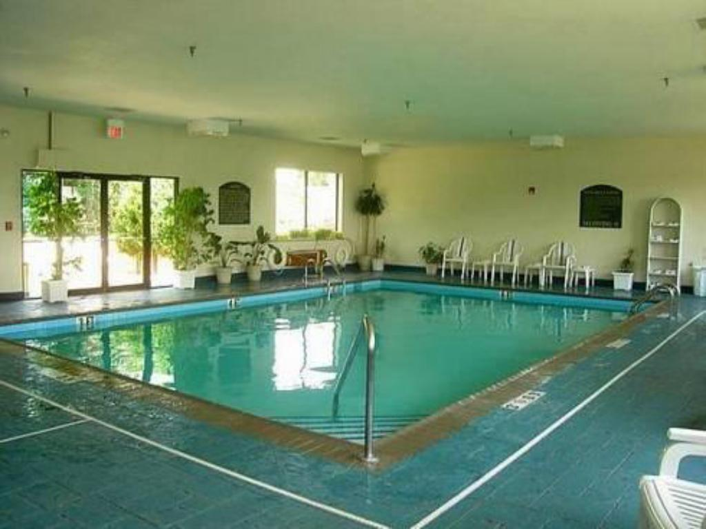 Best Price On Holiday Inn Express Louisville Northeast In Louisville Ky Reviews