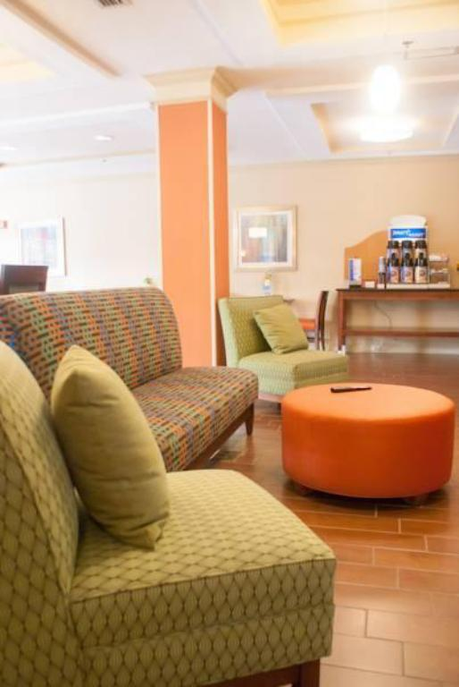 Lobby Holiday Inn Express Hotel And Suites Jacksonville South - I-295